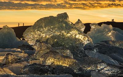 Sunset in Jökulsárlón Glacial Lagoon