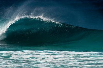 Winter waves from Sunset Point   North Shore, O'ahu, Hawai'i