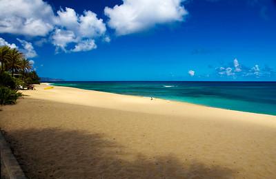 Sunset BeachSaturday, early before the beach fillsNorth Shore, O'ahu, Hawai'i  080801.100929