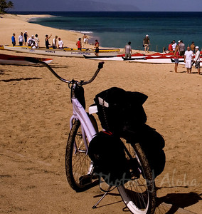 Lavender Beach Cruiser and canoes at Sunset Beach