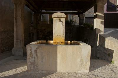 1894 fountain Vergons, France