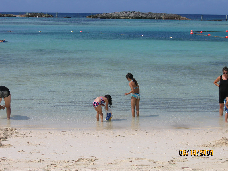 Heather and Evelyn at Castaway Cay