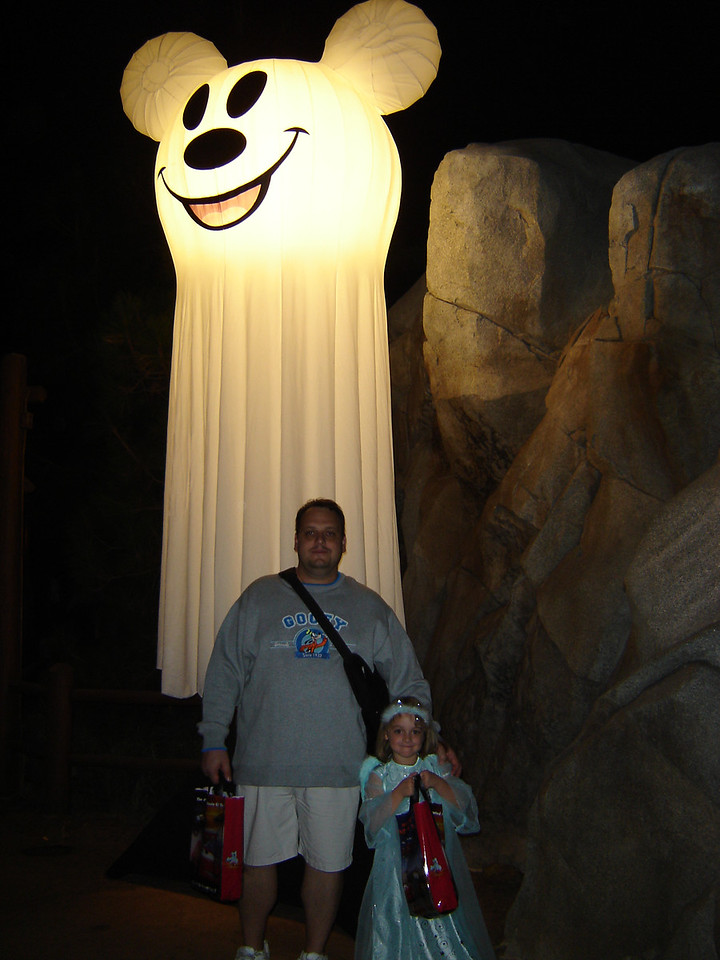 Wow does this ghost make me look fat???