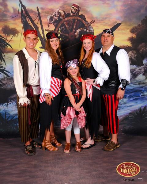 272-39522049-DCL Pirate Shipwreck 3 MS-27231_GPR