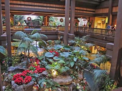 Posted: Poly Pics, Resort POTD, Resort Christmas Photos,