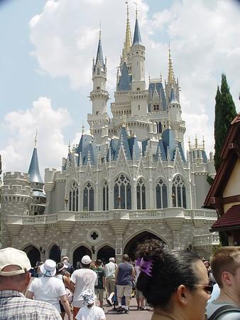 Disney 2004