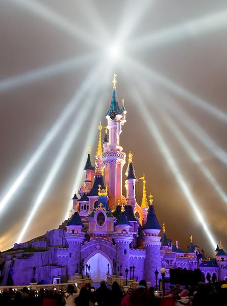 <b>Disneyland Resort Paris Disneyland Paris Disney Dreams</b>  Disney Dreams, the nighttime spectacular at Disneyland Paris created for the 20th anniversary, is absolutely amazing...  Read more: http://www.disneytouristblog.com/disney-dreams-disneyland-paris-opening/
