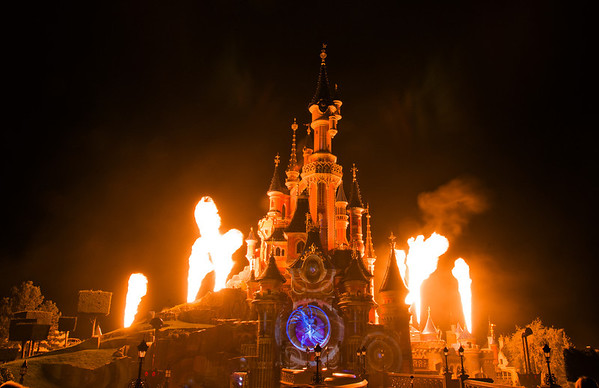 "Disneyland Paris' Castle erupts in flames during Disney Dreams!<br /> <br /> Part 1 of our Disneyland Paris trip report is now up! <a href=""http://www.disneytouristblog.com/disneyland-paris-2012-trip-report-part-1/"">http://www.disneytouristblog.com/disneyland-paris-2012-trip-report-part-1/</a>"