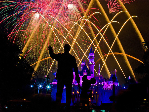 "101 Great Tips for Disneyland, including the best fireworks location! <a href=""http://www.disneytouristblog.com/101-best-disneyland-tips/"">http://www.disneytouristblog.com/101-best-disneyland-tips/</a>"