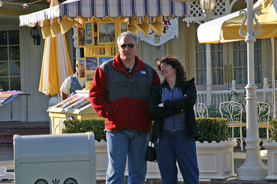 Linda and Paul wait for Ellen to come back from taking photos.