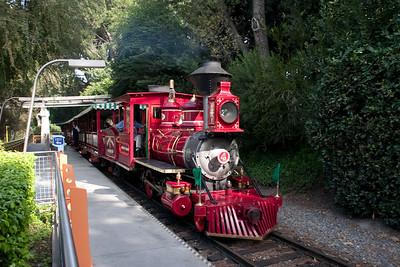Disneyland Nov 2009 Sunday