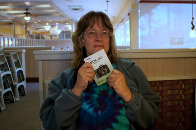 Ellen has a new camera, so is taking breakfast at IHOP the first morning as an opportunity to study up.