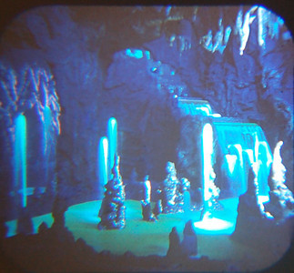 1959 Viewmaster of Mine Train grotto.    I can't think of an equivalent anywhere in Disneyland now, so there's no corresponding photo. Suggestions welcome.