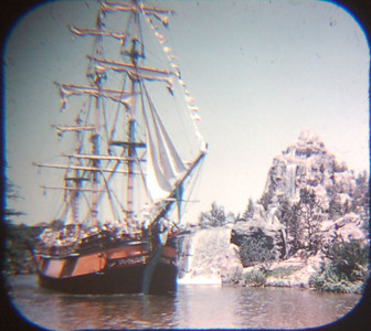 1959 Viewmaster of the Columbia passing the waterfall.