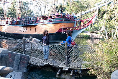 2009 Columbia passing the pontoon bridge on Tom Sawyer's Island. The Columbia looks amazingly the same; the pontoon bridge railing is now a much safer rope web.