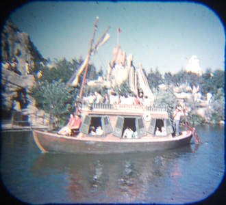 1959 Viewmaster of the a Mike Fink Keelboat --the Bertha Mae. They remained for quite some time, although I'm not sure when they were no longer used. On a trip to Dland a few years back, one of these boats was moored in an out-of-the-way lagoon for scenic effect, but this time around we searched everywhere and couldn't find it. So no photo in 2009 (continued on next slide).