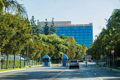 Disneyland Hotel drive-in entrance