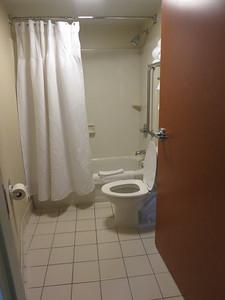 IMG_7259HotelBathroom