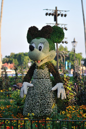 Topiary Minnie at the Flower and Garden Festival
