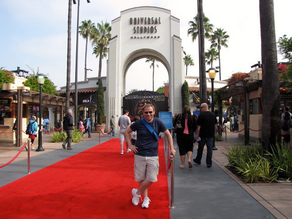 "During one of our days in Anaheim we rented a car & headed to LA (around a 45min drive) and had tons of fun playing at ""Universal Studios Hollywood""... there's Shawn getting things started by strolling the red carpet... of course we had to make a proper entrance! :-) Check our full blog post and video out at: <a href=""http://nancyandshawnpower.com/universal-studios-hollywood-samba-braziian-steakhouse-cirque-du-soleil-iris/"">http://nancyandshawnpower.com/universal-studios-hollywood-samba-braziian-steakhouse-cirque-du-soleil-iris/</a>"