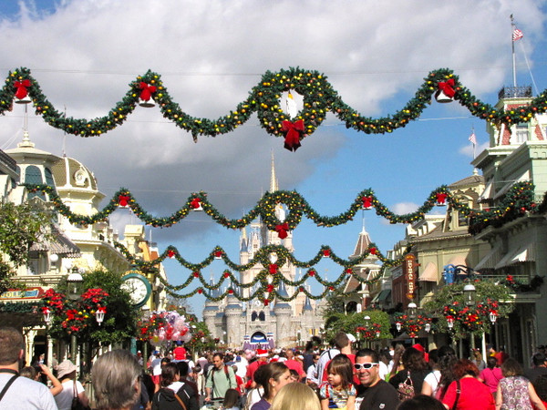 Like the other parks the Magic Kingdom was all done up for the Holidays... very nice! :-)