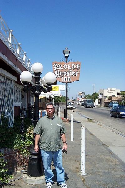 Ye Olde Hoosier Inn - Stockton, CA