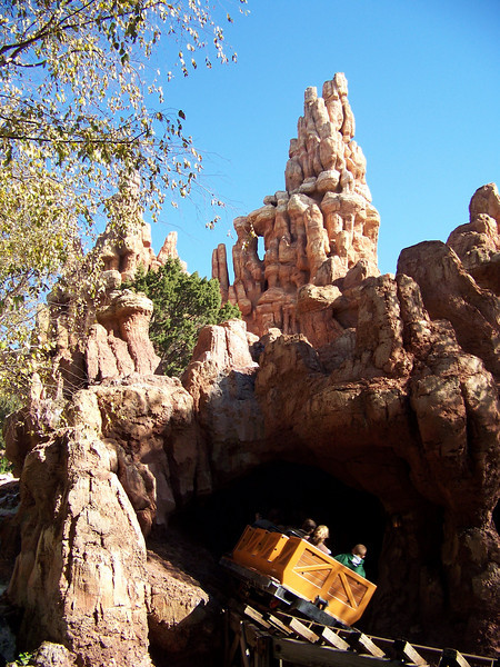 Disneyland - Big Thunder Mountain
