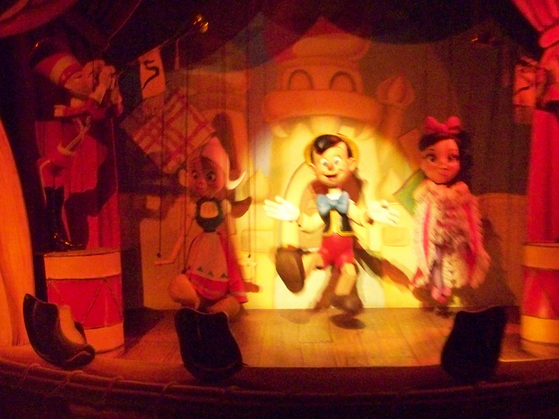 Disneyland - Pinocchio's Daring Adventures