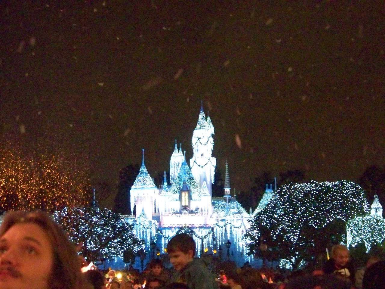 Disneyland - Christmas snow and the Winter Castle