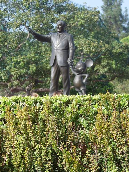 Disneyland - The Hub