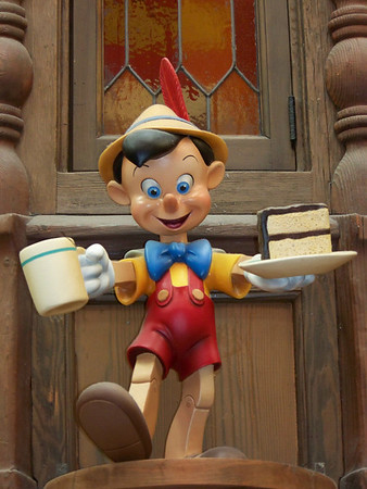 Bonus Gallery: Disneyland Minutiae