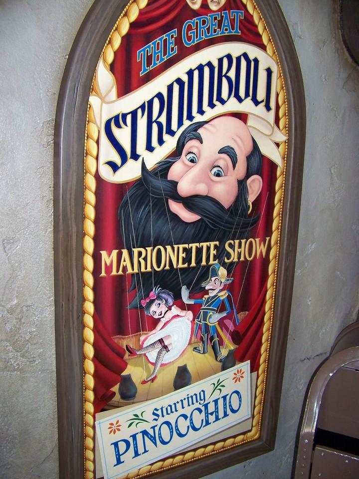 Disneyland - Pinocchio's Daring Journey