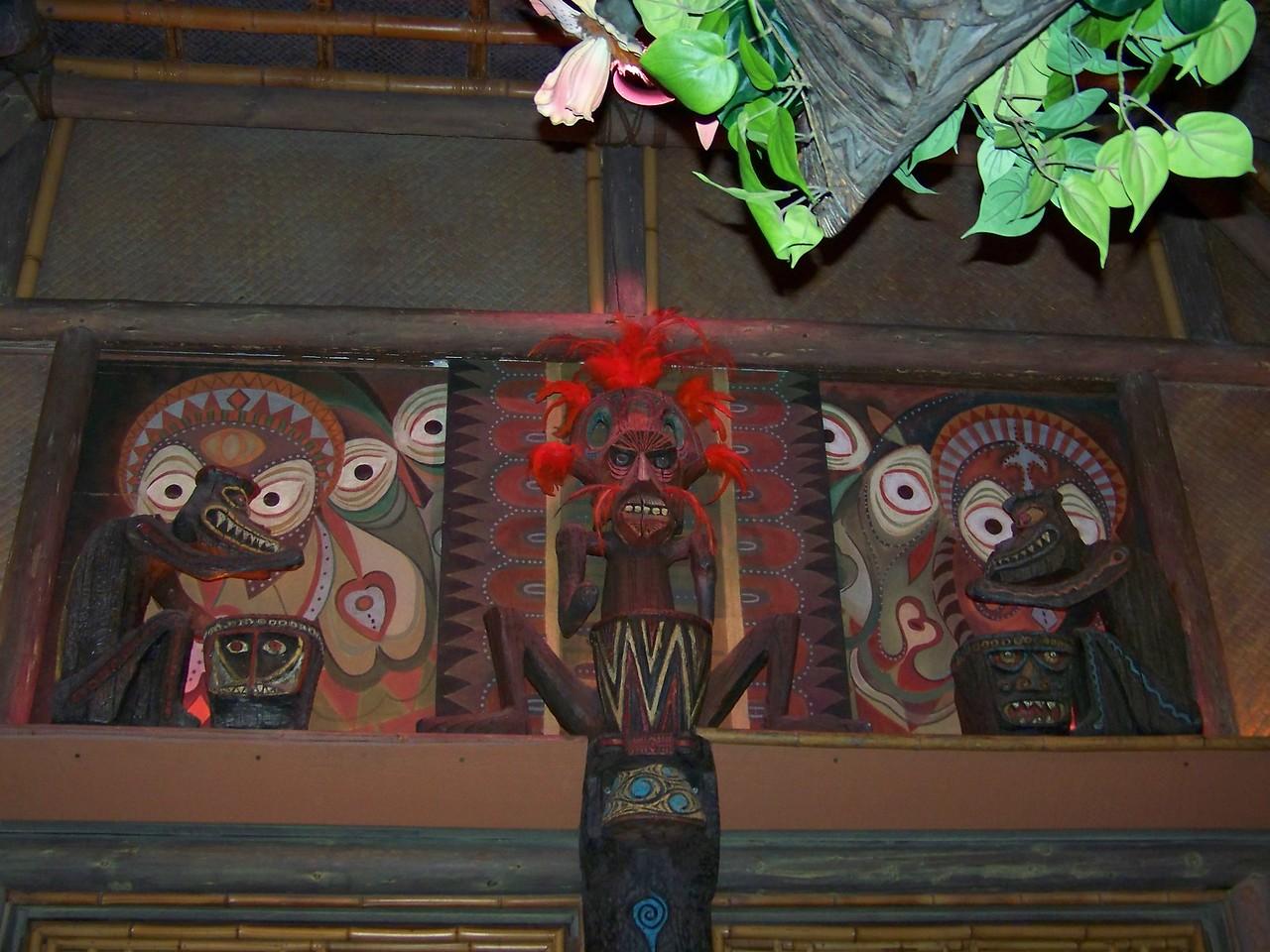 Disneyland - Walt Disney's Enchanted Tiki Room