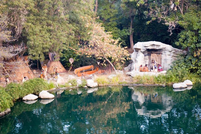 2005-11-14 - Disneyland - 013 - Disneyland Birthday - Native American Villiage - DSC_1405