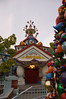 2006-11-22 - Disneyland Birthday - Toontown City Hall - 164 - DSC_4739