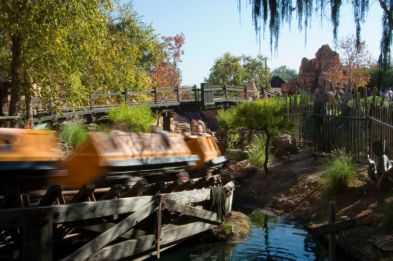 2007-11-14 - 034 - Disneyland Birthday - Big Thunder Mountain Railroad (High Speed Pass) - _DSC9059