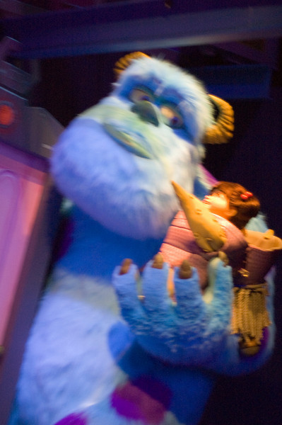2007-11-14 - 230 - Disneyland Birthday - Monsters Inc (Kitty's gotta go) - _DSC9266