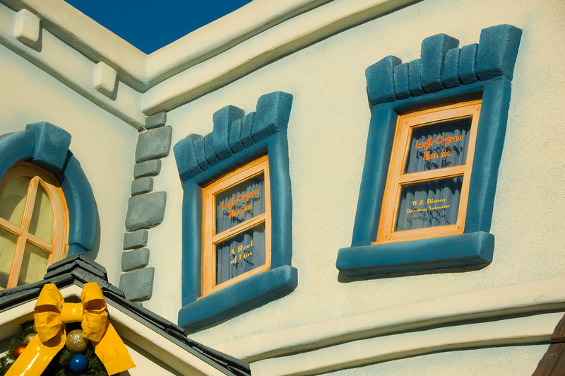 2007-11-14 - 165 - Disneyland Birthday - Toontown (Laugh-O-Gram Offices) - _DSC9197