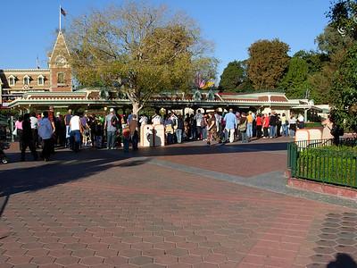 Disneyland December 06