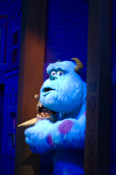2007-11-14 - 200 - Disneyland Birthday - Monsters Inc (Sulley & Boo) - _DSC9233