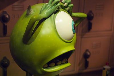 2007-11-14 - 220 - Disneyland Birthday - Monsters Inc (Mike has Concerns) - _DSC9255