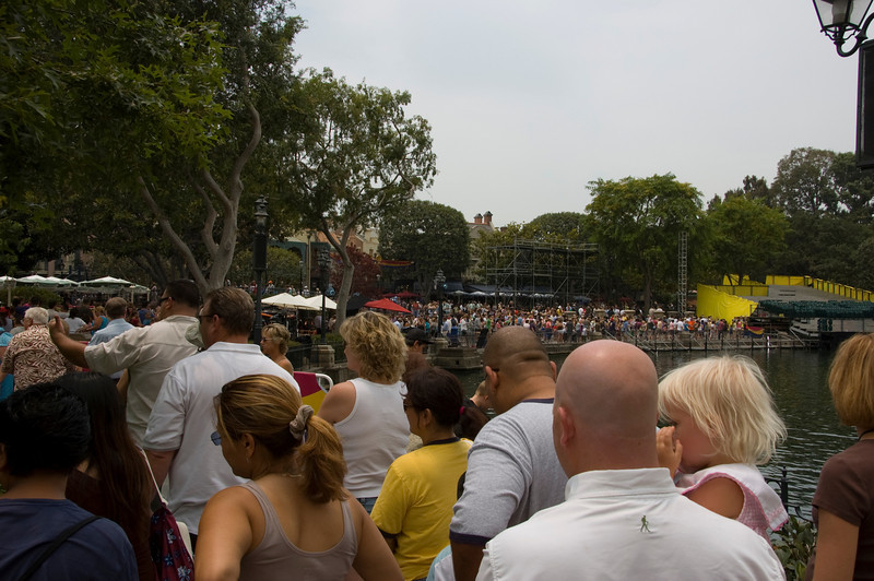 This photo was taken about 10 minutes in.  The line started around the Shooting Gallery and winded it's way all around New Orleans Square, near the Rivers of America.