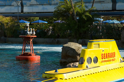 2007-11-14 - 077 - Disneyland Birthday - Nemo Submarine Ride (Seafarer) - _DSC9106