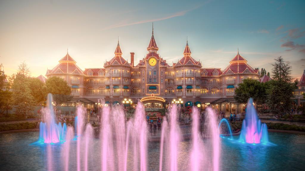 Photos de Disneyland Paris en HDR (High Dynamic Range) ! - Page 20 Disneyland%20hotel%20façade-XL
