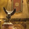 The old owl - Stan<br /> <br /> La sculpture trônant fièrement au centre du hall est de Jules Moigniez, un sculpteur français du 18è siècle. Elle représente une chouette s'apprêtant à se poser, figée en plain vol comme si le temps n'avais plus d'effet en ces lieux...