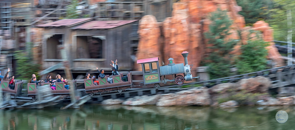 Photos de Disneyland Paris en HDR (High Dynamic Range) ! - Page 12 FiléeTrain-XL