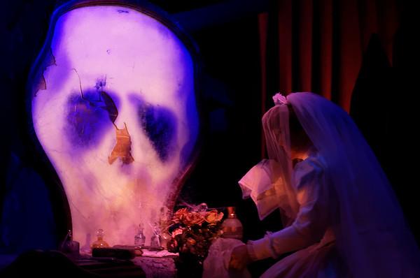 Mélanie, la mariée éplorée