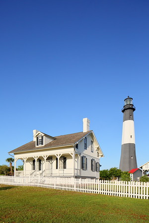 Head keeper's cottage with Tybee Island Lighthouse in distance. Tybee Island, GA. © 2021 Kenneth R. Sheide