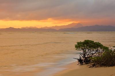 Kaneohe Bay at dawn. © 2019 Kenneth R. Sheide