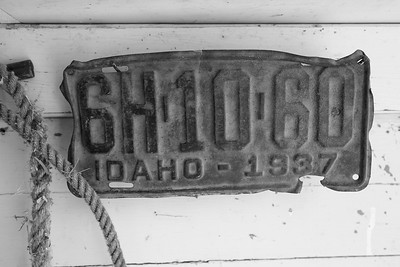 Old Idaho license plate at Ritter Island State Park, ID. © 2021 Kenneth R. Sheide